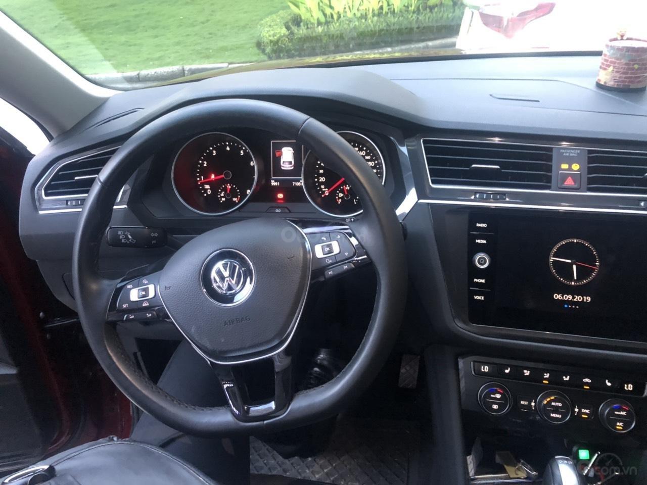 Lên đời bán SUV 7 chỗ VW Tiguan Highline đỏ rượu vang, đăng ký 2019, đi mới 15.000km (6)