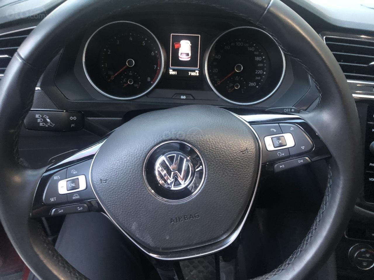 Lên đời bán SUV 7 chỗ VW Tiguan Highline đỏ rượu vang, đăng ký 2019, đi mới 15.000km (8)