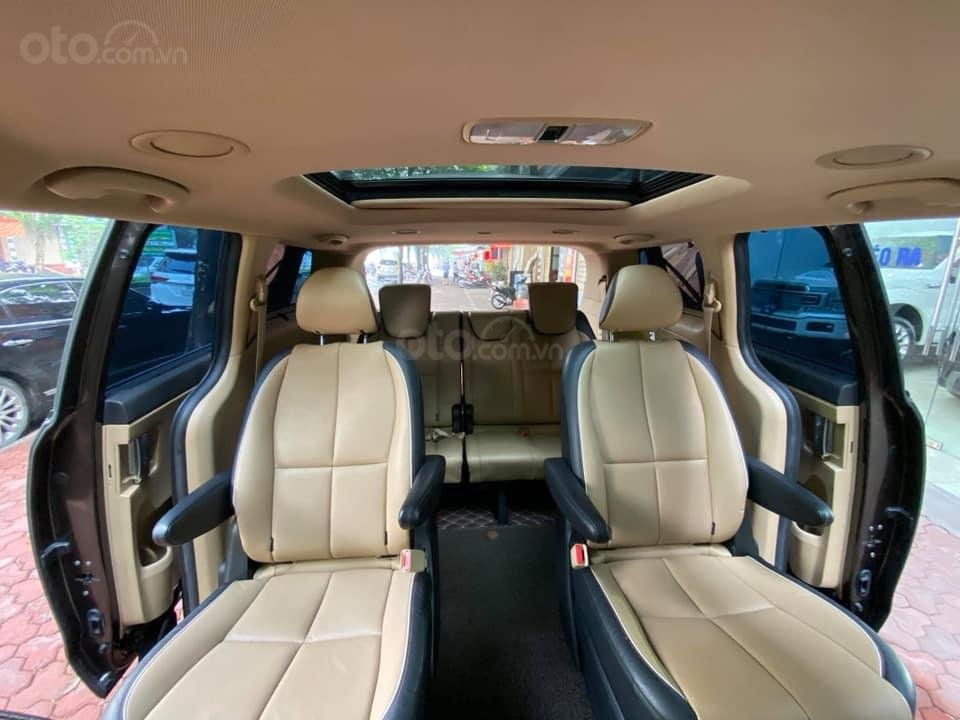 Bán xe Kia Sedona 2.2 DATH năm 2016, màu nâu, nhập khẩu nguyên chiếc, giá cạnh tranh (9)