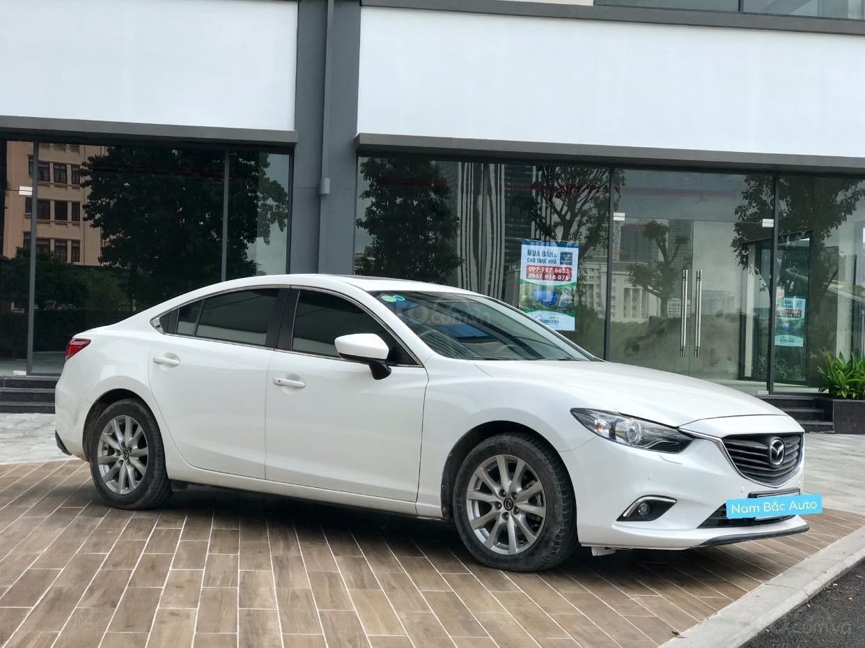 Cần bán Mazda 6 2.0 sản xuất 2016, màu trắng (2)
