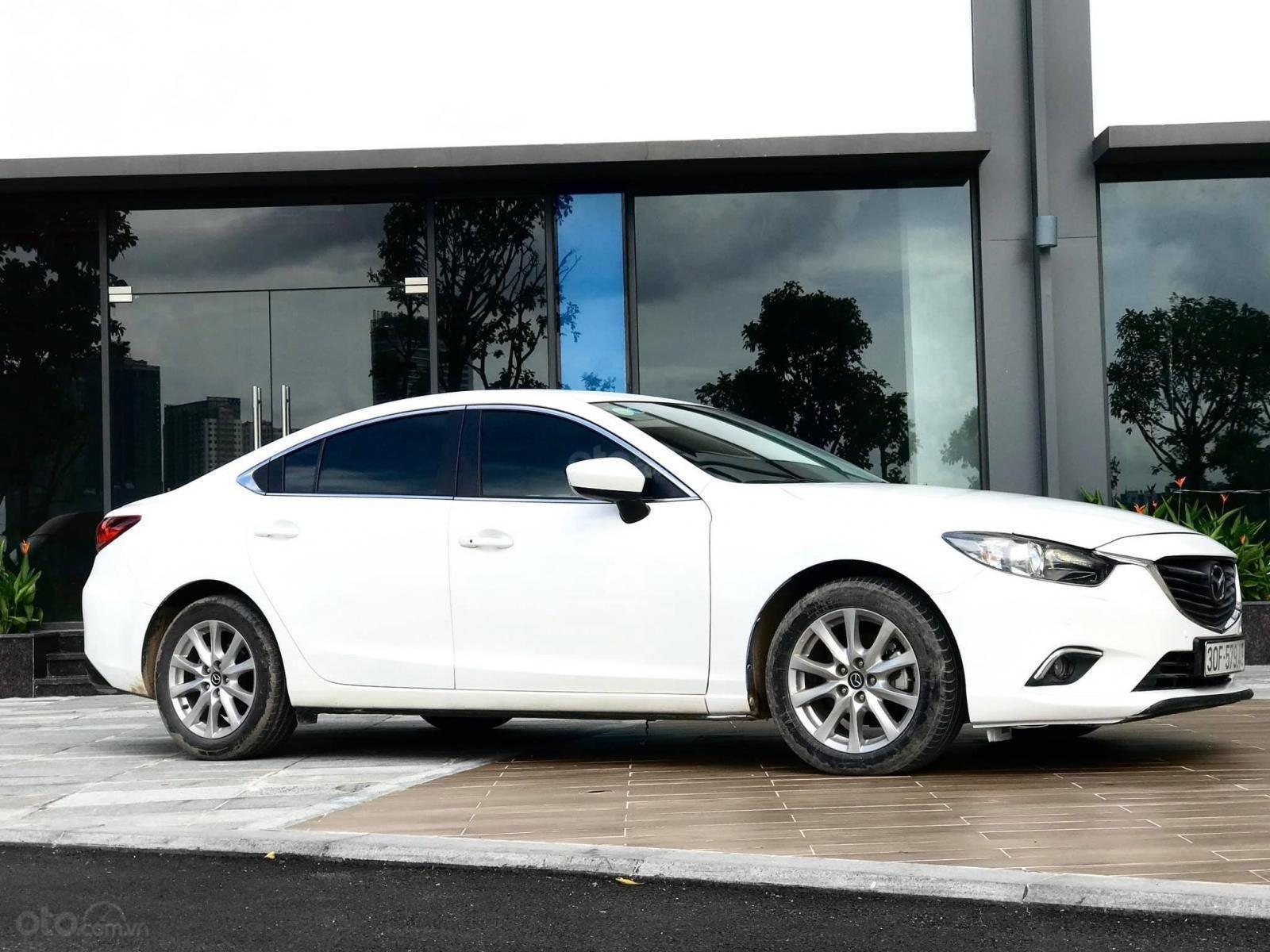 Cần bán Mazda 6 2.0 sản xuất 2016, màu trắng (4)