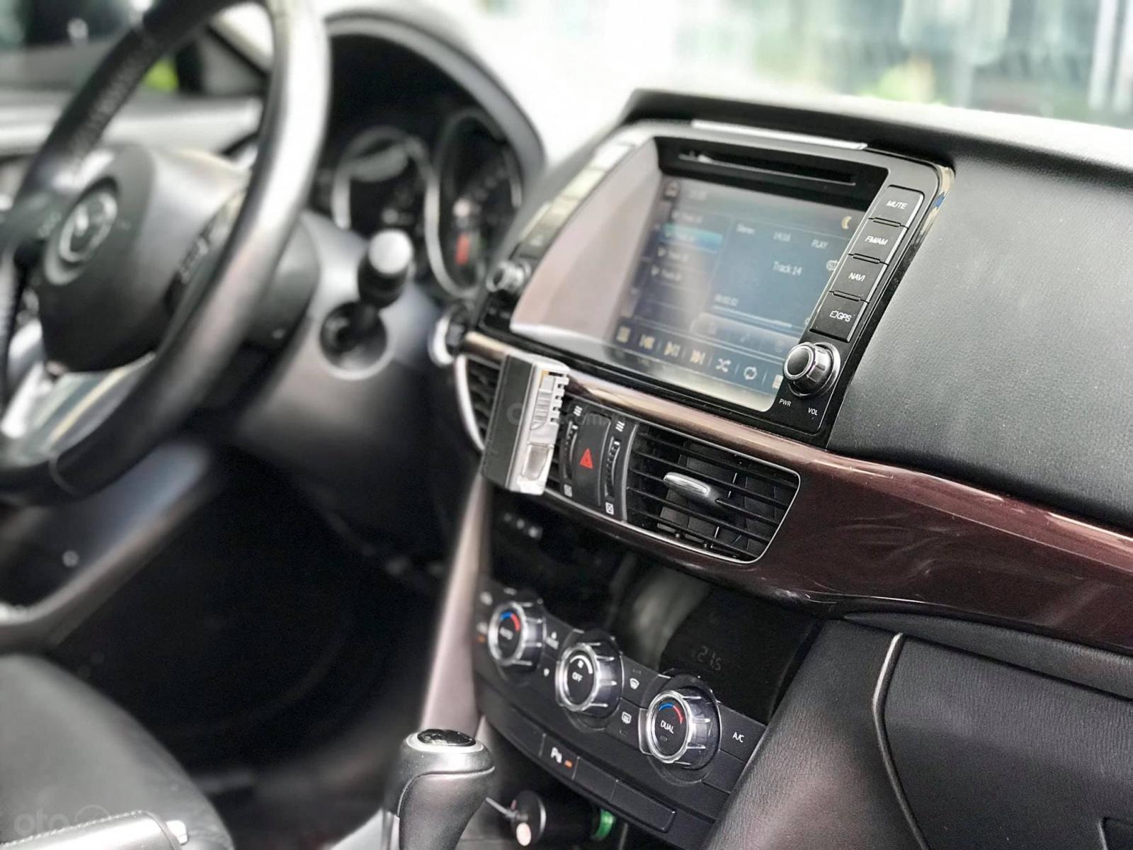Cần bán Mazda 6 2.0 sản xuất 2016, màu trắng (11)