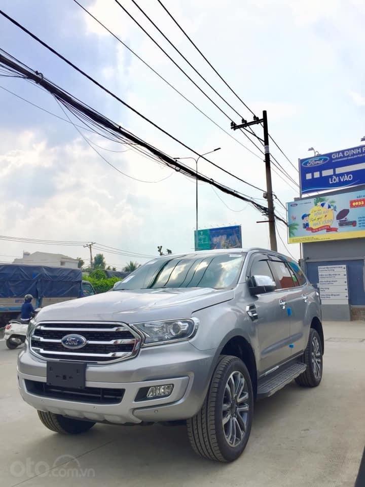 Cần bán Ford Everest đời 2019, màu bạc, ưu đãi lên đến 50tr (1)