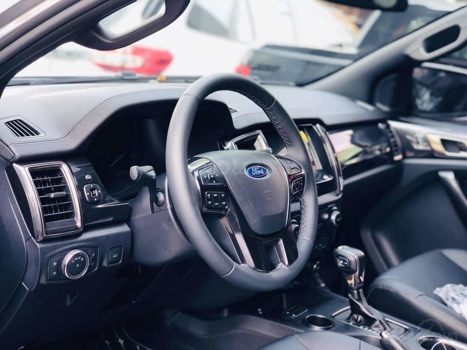 Cần bán Ford Everest đời 2019, màu bạc, ưu đãi lên đến 50tr (5)