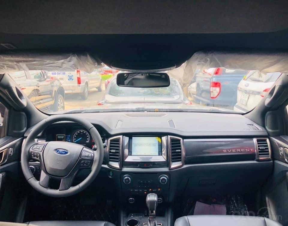 Cần bán Ford Everest đời 2019, màu bạc, ưu đãi lên đến 50tr (3)