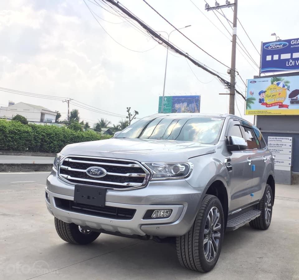 Cần bán Ford Everest đời 2019, màu bạc, ưu đãi lên đến 50tr (7)