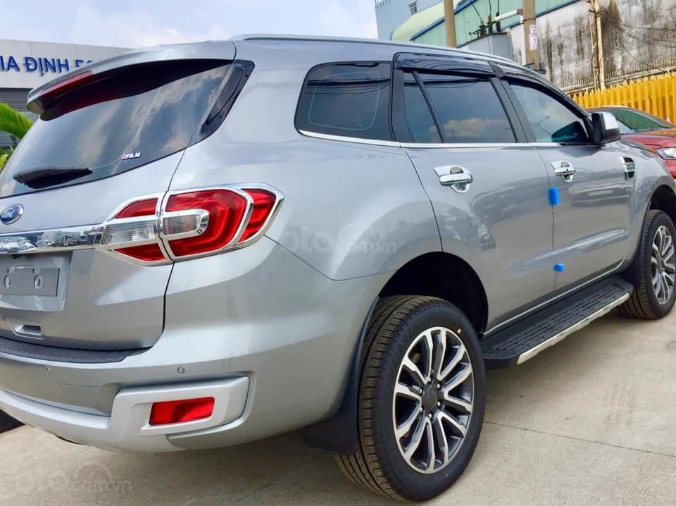 Cần bán Ford Everest đời 2019, màu bạc, ưu đãi lên đến 50tr (6)