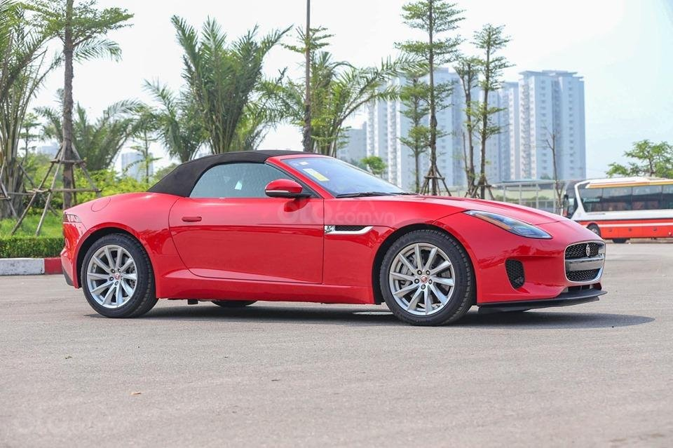 Cần bán xe Jaguar F Type Convertible sản xuất năm 2018, màu đỏ, nhập khẩu (2)