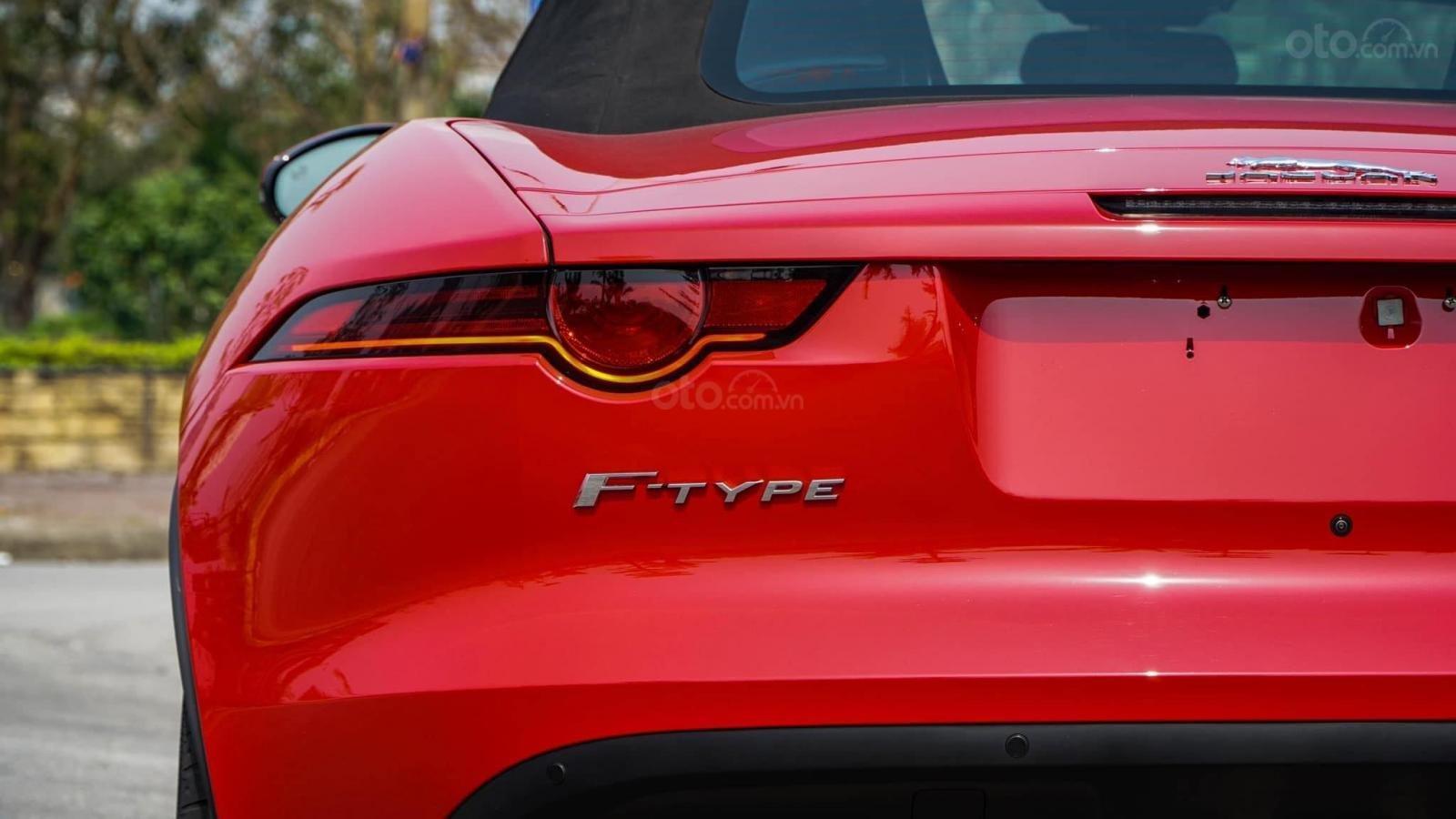 Cần bán xe Jaguar F Type Convertible sản xuất năm 2018, màu đỏ, nhập khẩu (3)