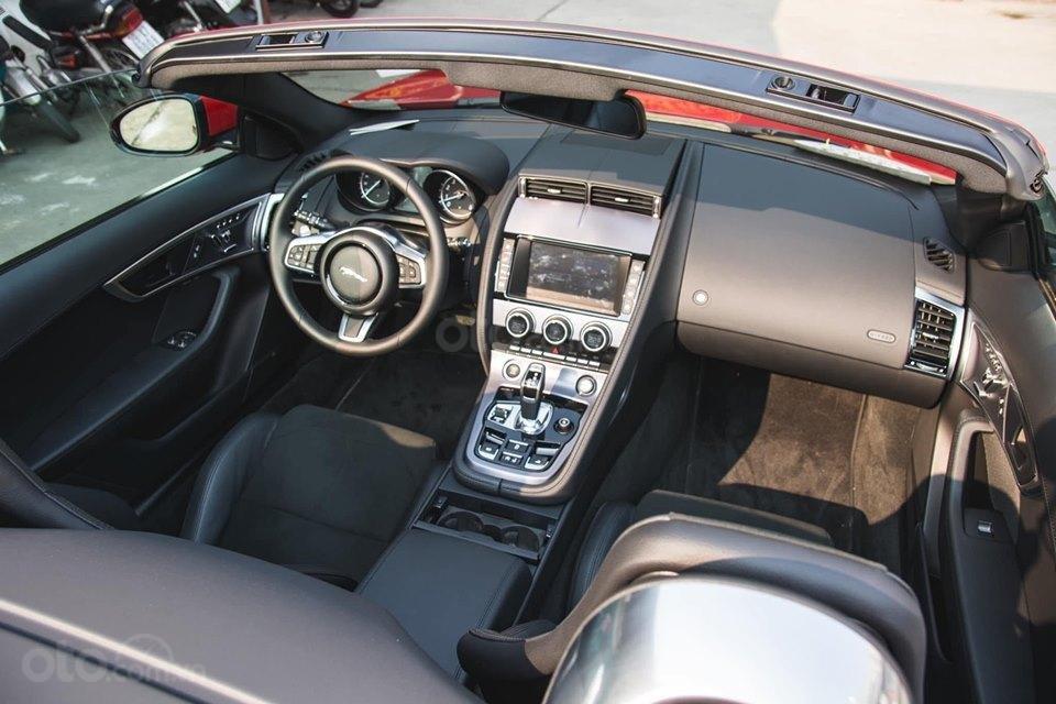 Cần bán xe Jaguar F Type Convertible sản xuất năm 2018, màu đỏ, nhập khẩu (9)