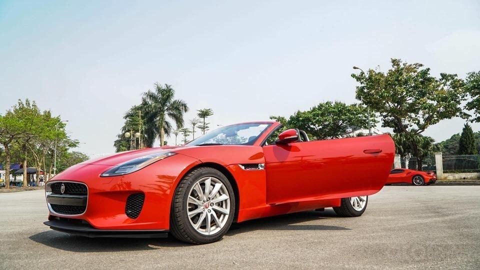 Cần bán xe Jaguar F Type Convertible sản xuất năm 2018, màu đỏ, nhập khẩu (13)
