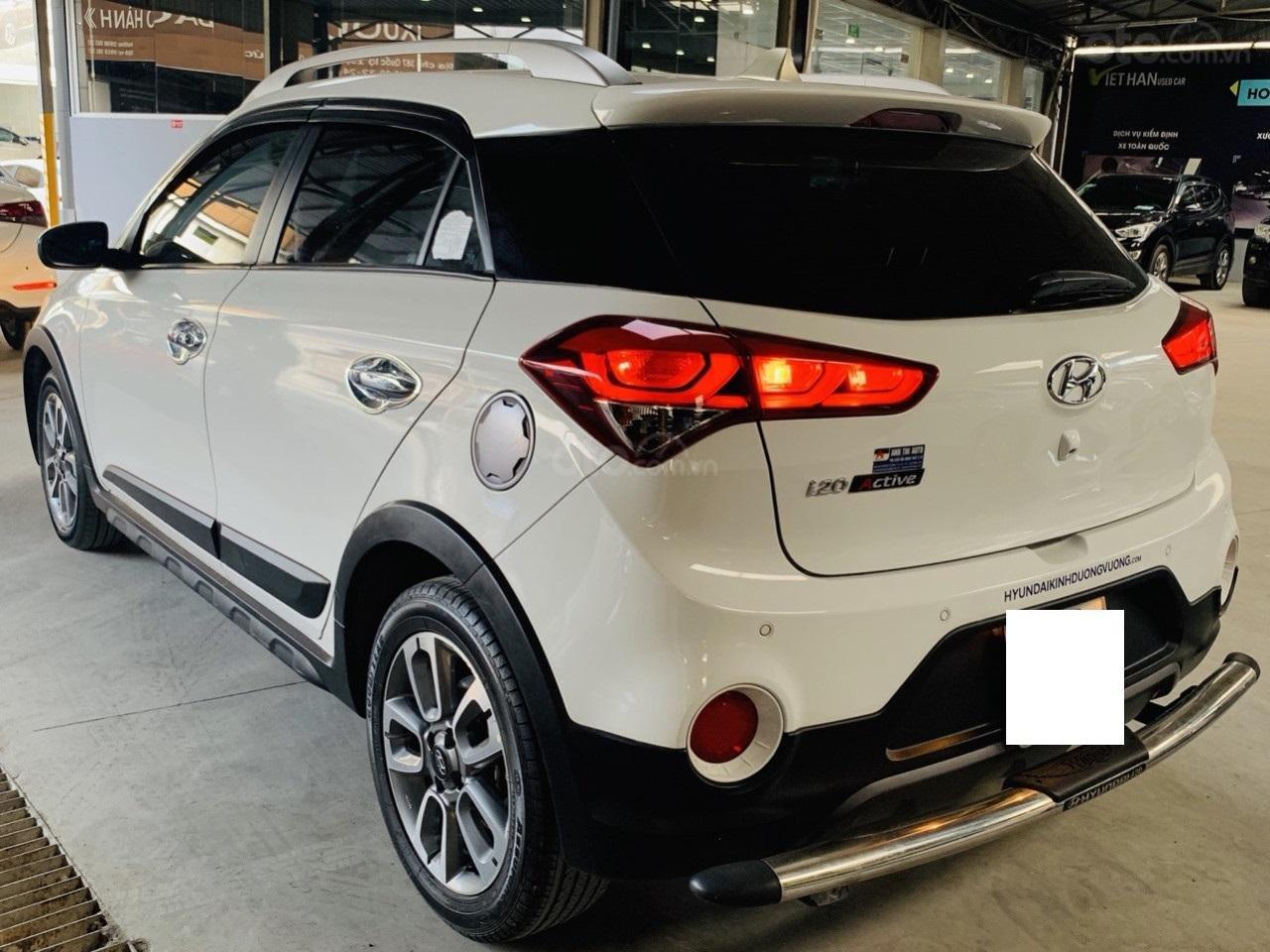 Hãng bán Hyundai i20 Active 1.4AT, đời 2015, màu trắng, biển Sài Gòn, xe nhập (2)