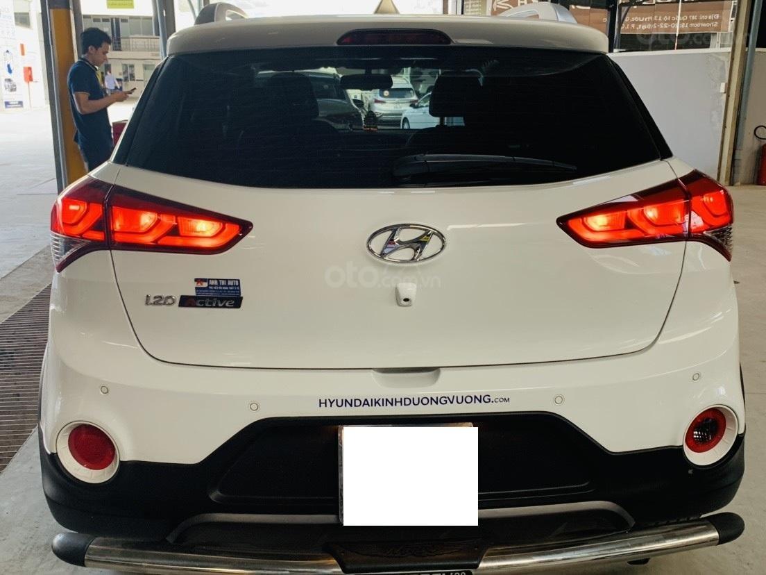 Hãng bán Hyundai i20 Active 1.4AT, đời 2015, màu trắng, biển Sài Gòn, xe nhập (3)