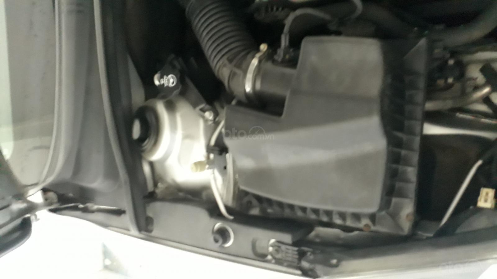 Cần bán xe Chevrolet Cruze LX, màu bạc, xe nhập (2)