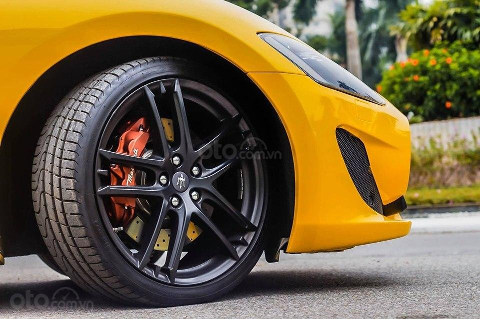 Bán ô tô Maserati Granturismo MC stradale sản xuất 2017, màu vàng, nhập khẩu (10)