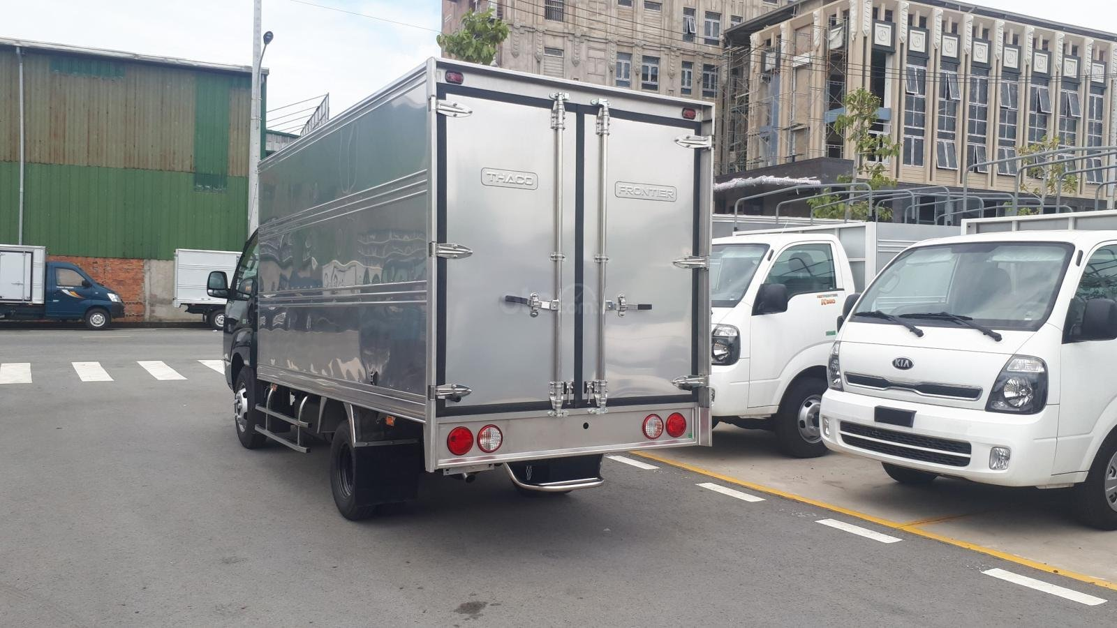 Giá xe tải 1.4 tấn - 2.4 tấn - trả góp - LH em 0938380032 (2)
