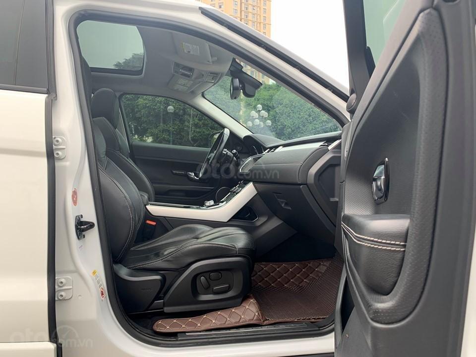 Cần bán LandRover Evoque Dynamic sản xuất năm 2012, màu trắng, nhập khẩu nguyên chiếc (6)