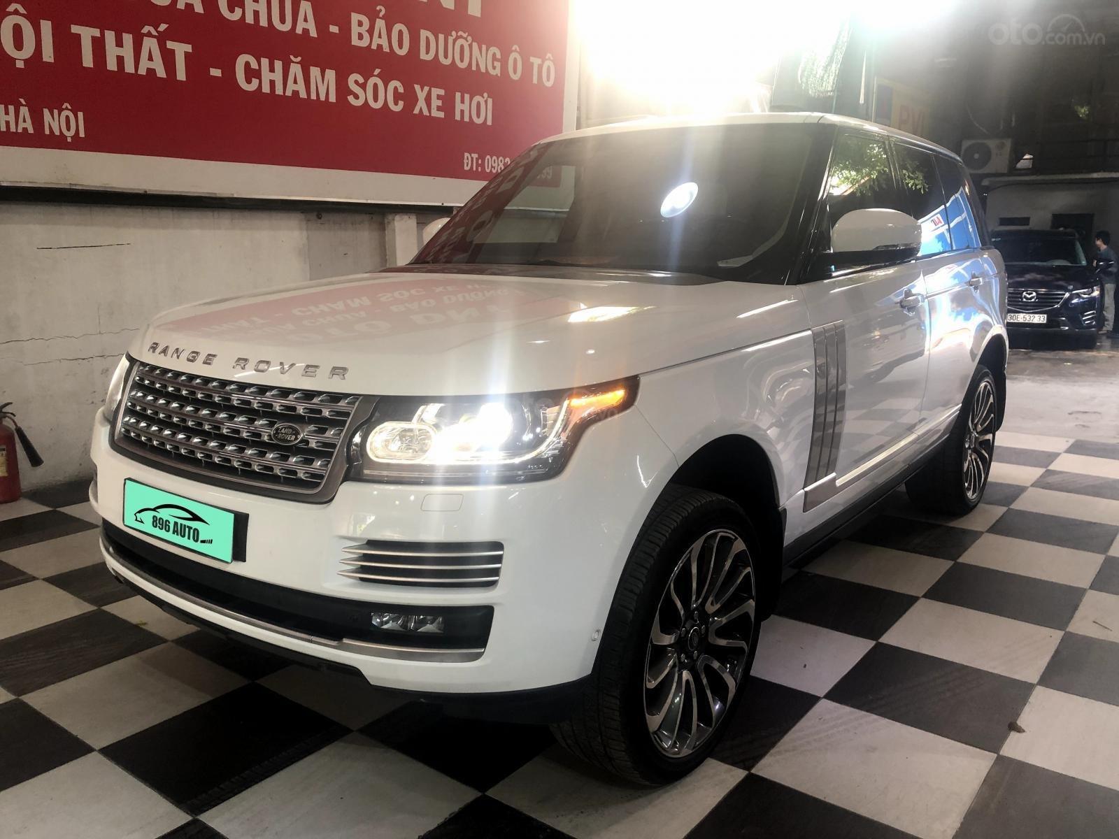 Giao ngay LandRover Range Rover 5.0L đời 2015, màu trắng da bò, uy tín giá tốt (2)