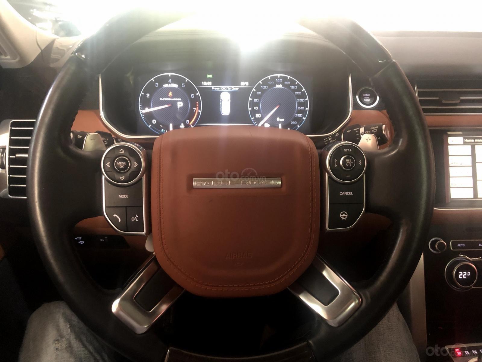 Giao ngay LandRover Range Rover 5.0L đời 2015, màu trắng da bò, uy tín giá tốt (4)