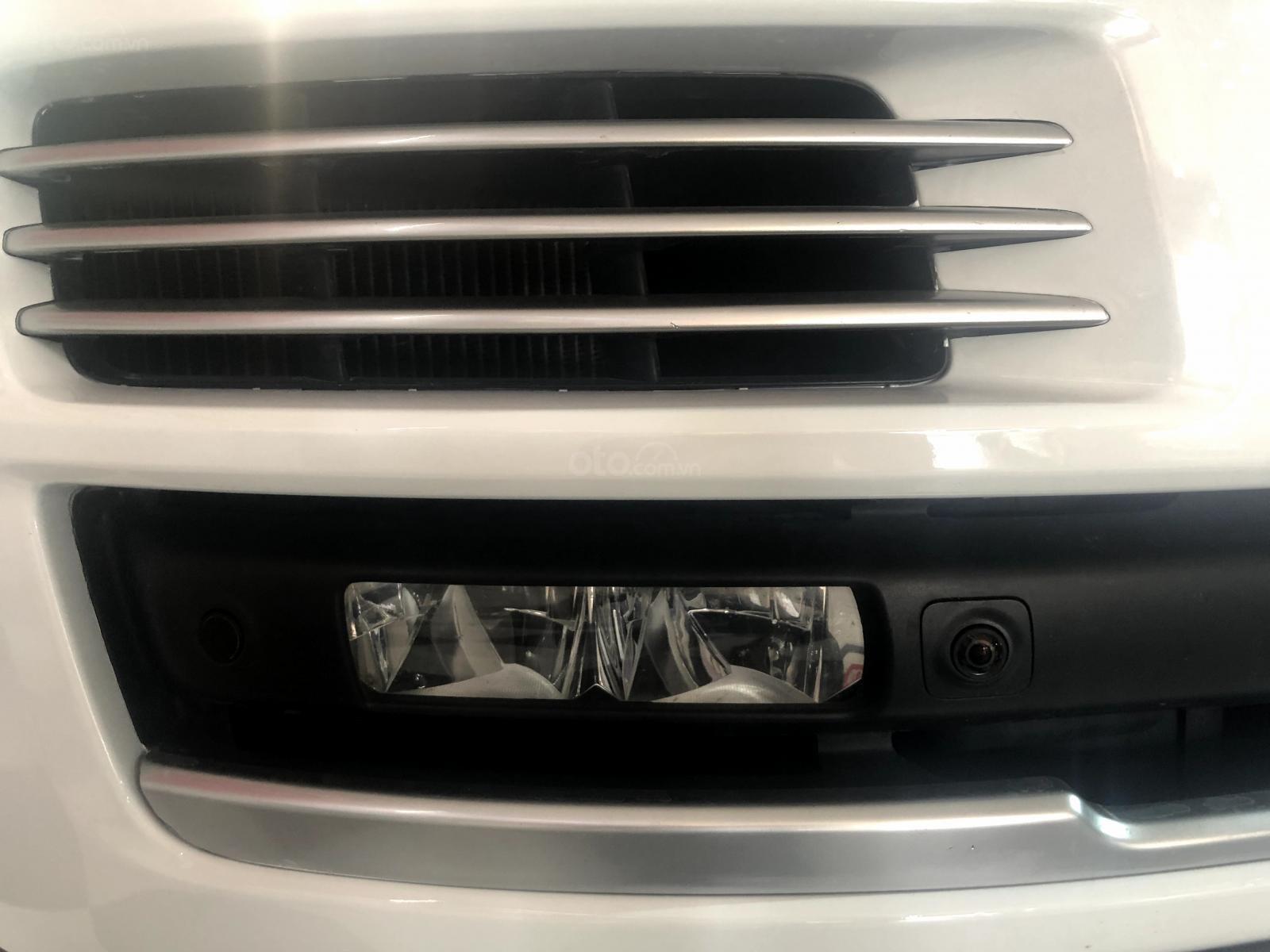 Giao ngay LandRover Range Rover 5.0L đời 2015, màu trắng da bò, uy tín giá tốt (11)