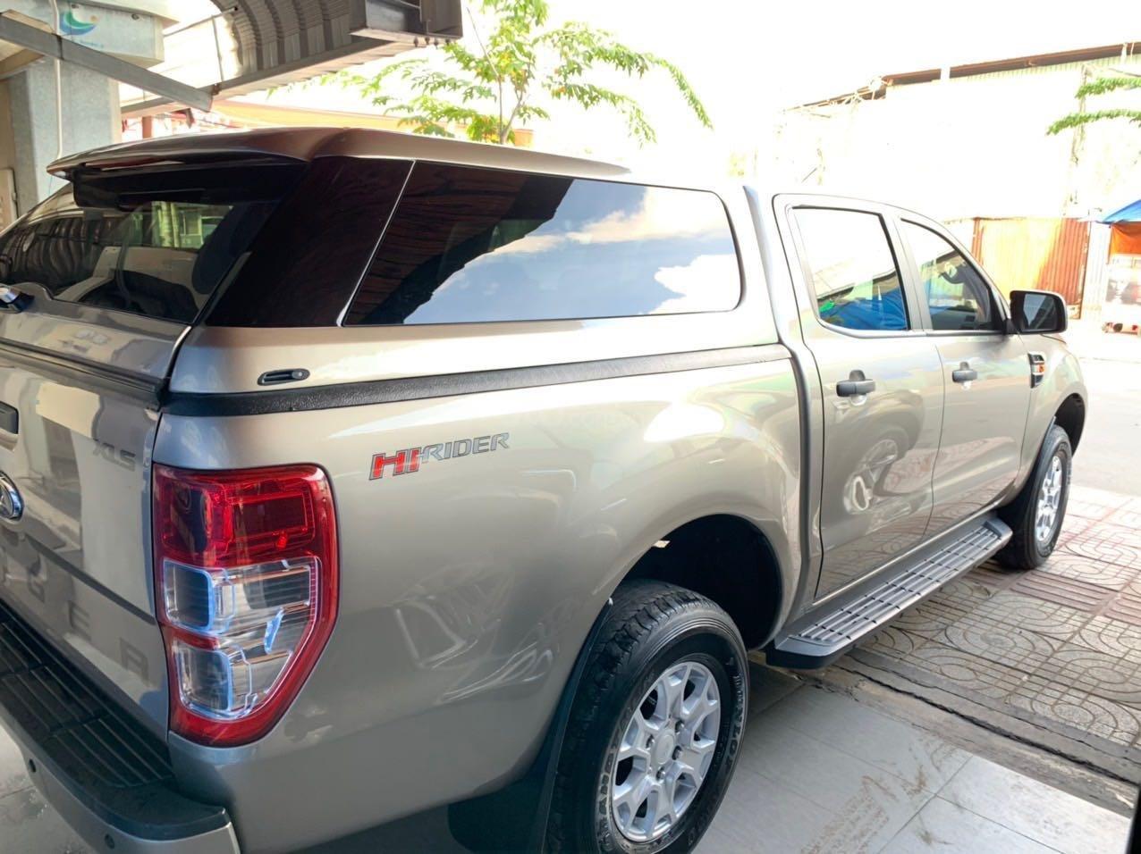 Bán Ford Ranger XLS 2.2L AT màu ghi vàng đời 2017 giá thương lượng, hotline 0901267855 (8)