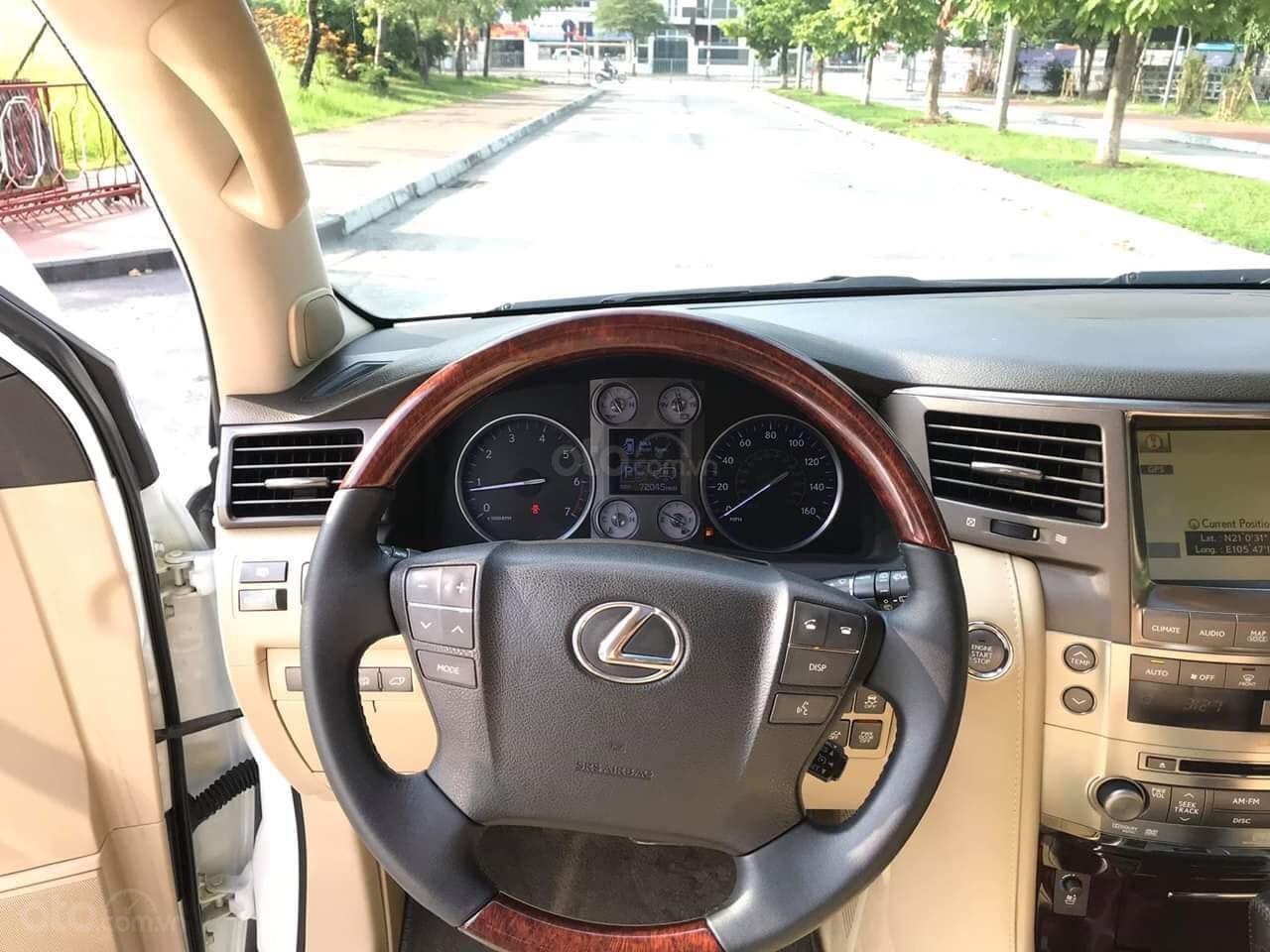 Giao ngay giao ngay Lexus LX570 trắng kem 2010 nhập Mỹ uy tín giá tốt (4)