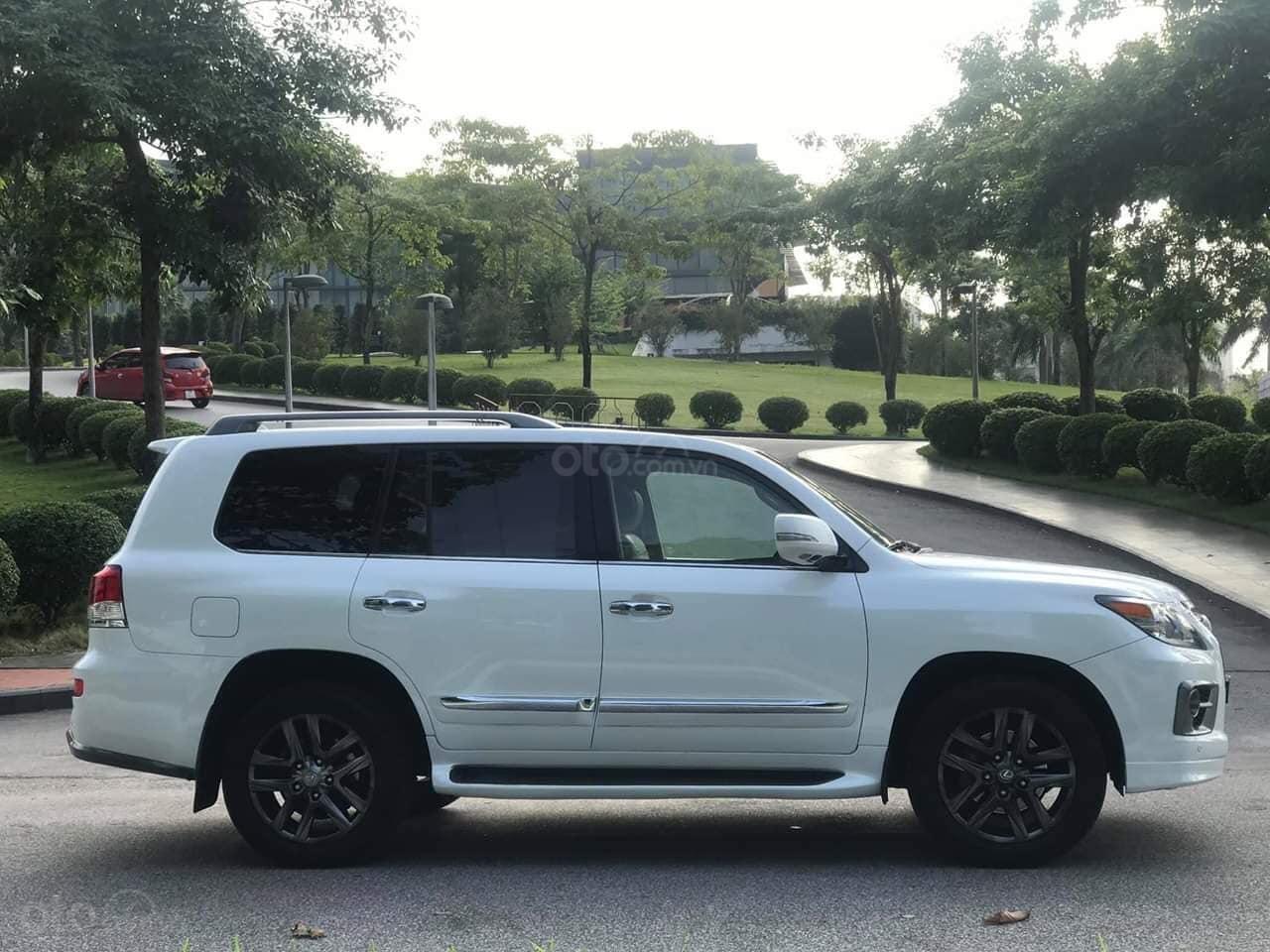 Giao ngay giao ngay Lexus LX570 trắng kem 2010 nhập Mỹ uy tín giá tốt (14)