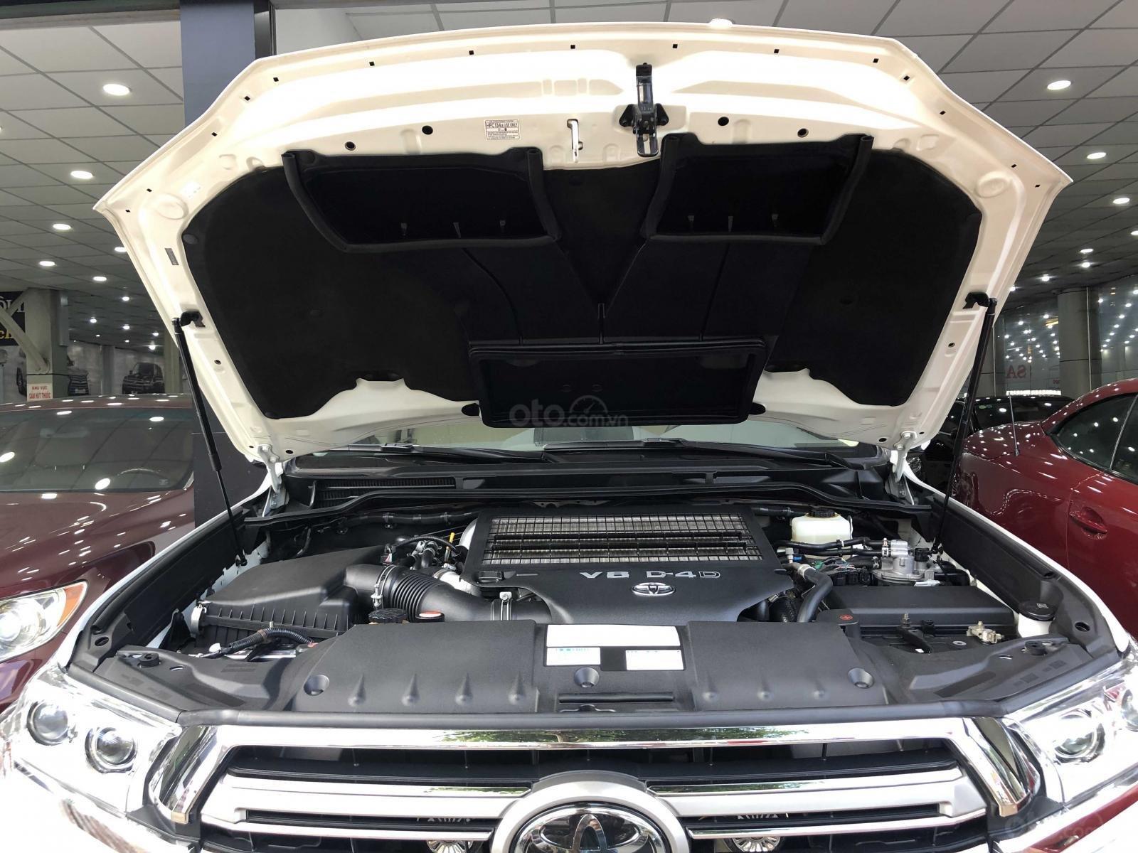 Cần bán Toyota Land Cruiser 2016, máy dầu, nhập khẩu Trung Đông (15)