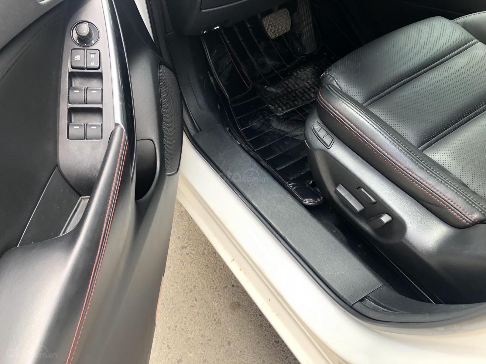 Mình cần bán Mazda 6 bản full trắng tinh 2017, đi kỹ như mới (16)