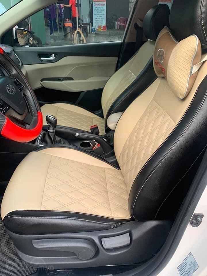 Chính chủ Bán ô tô Hyundai Accent sản xuất năm 2019, màu trắng, giá cạnh tranh (2)
