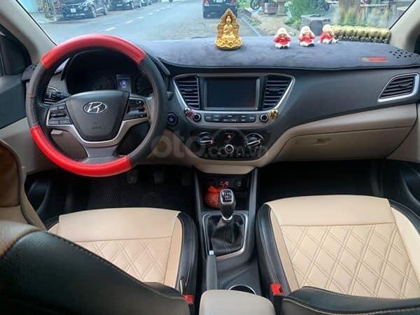 Chính chủ Bán ô tô Hyundai Accent sản xuất năm 2019, màu trắng, giá cạnh tranh (4)