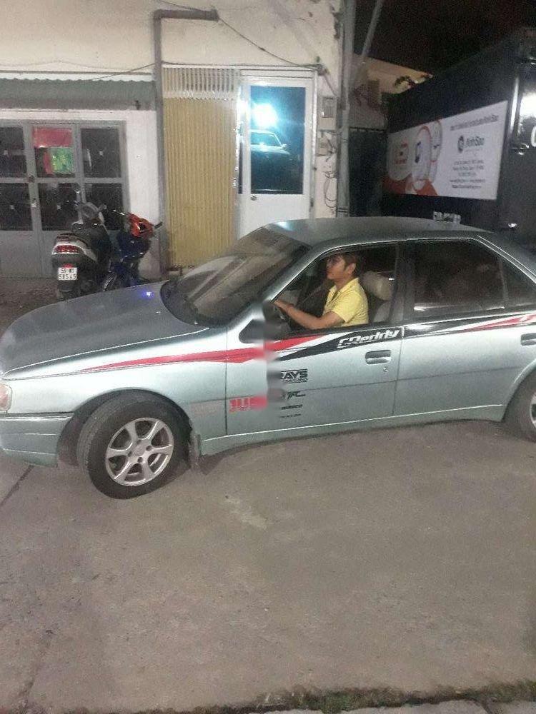 Cần bán xe Peugeot 404 sản xuất 1990, nhập khẩu (1)