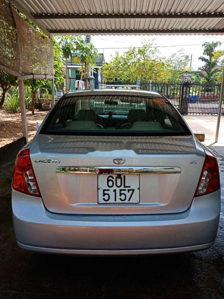 Cần bán Daewoo Lacetti sản xuất 2004, màu bạc, giá chỉ 142 triệu (4)