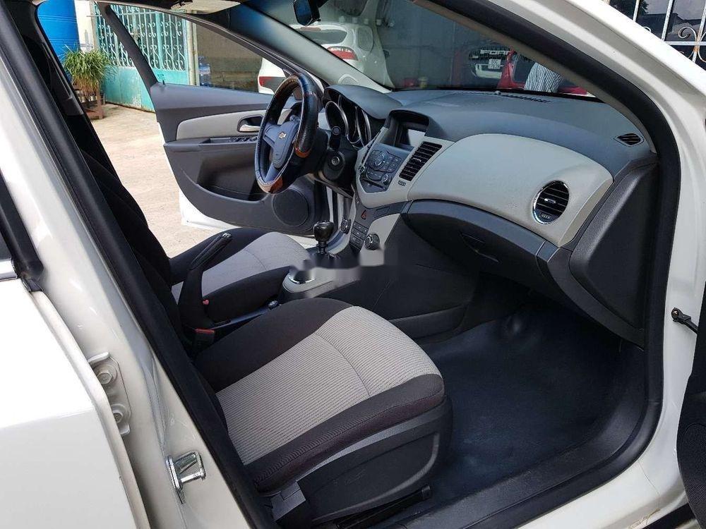 Cần bán lại xe Chevrolet Cruze MT đời 2013, màu trắng, giá 326tr (8)