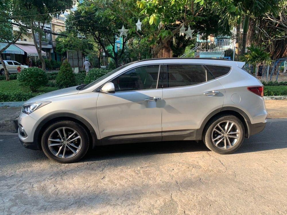 Bán Hyundai Santa Fe AT đời 2016, màu bạc (1)