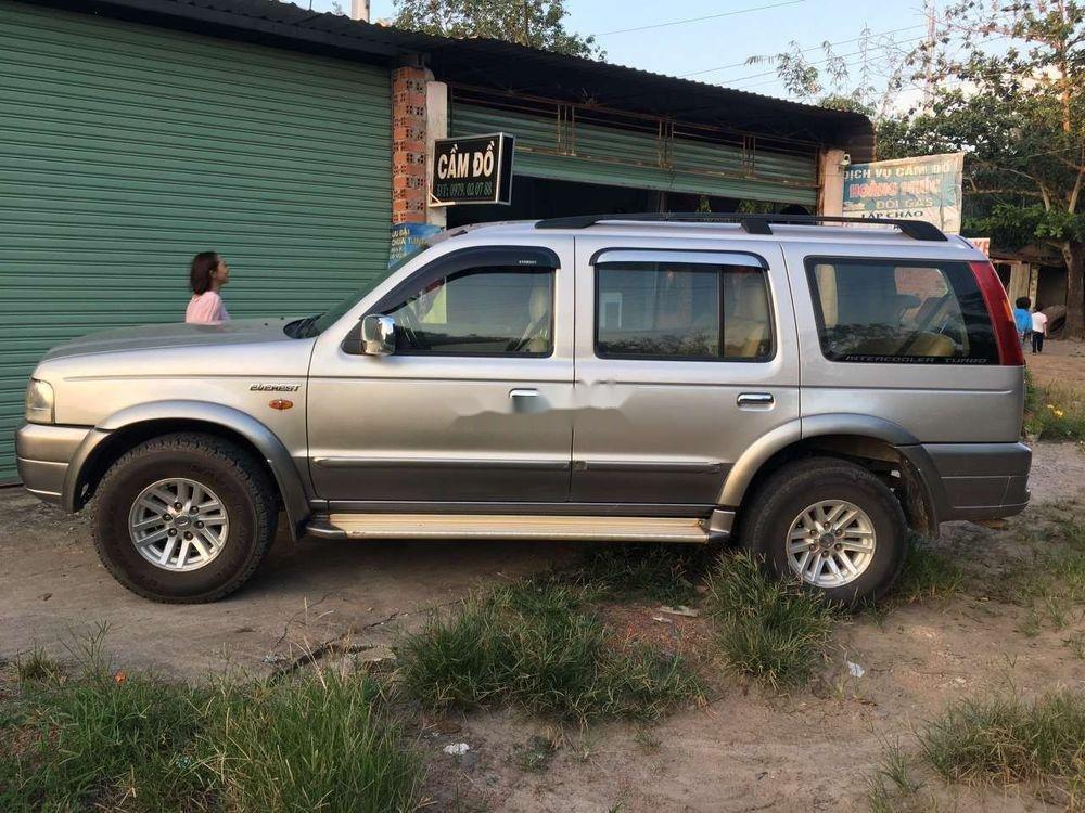 Cần bán lại Ford Everest năm 2006, màu bạc, số sàn, giá cạnh tranh (3)