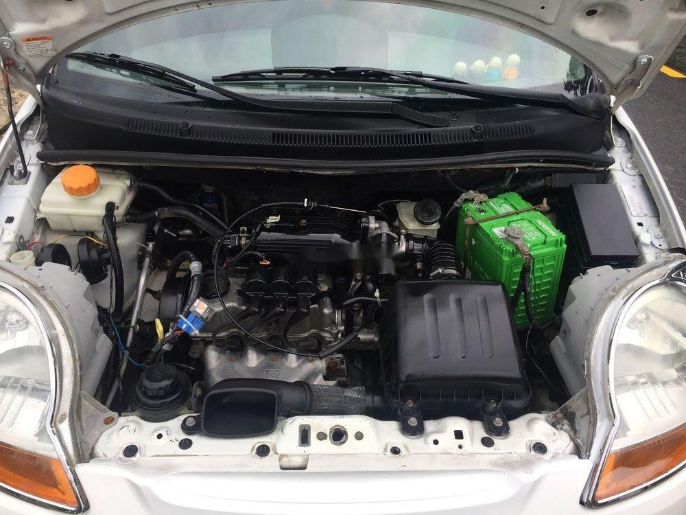 Cần bán gấp Chevrolet Spark MT năm 2010, màu trắng xe gia đình (5)