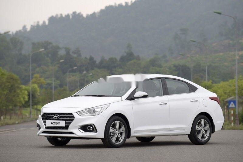 Cần bán xe Hyundai Accent 2019, màu trắng, giá tốt (3)