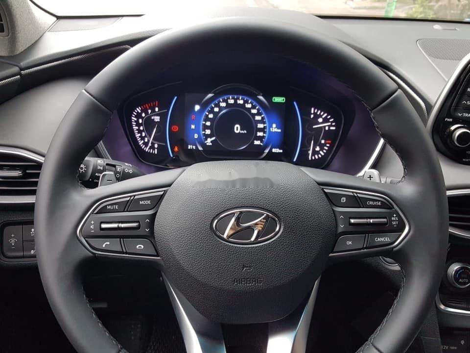 Cần bán xe Hyundai Santa Fe năm sản xuất 2019, hỗ trợ tốt (9)