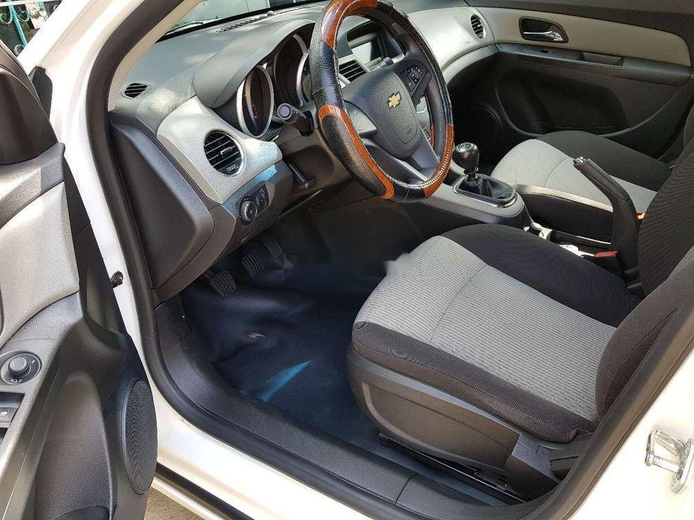 Cần bán lại xe Chevrolet Cruze MT đời 2013, màu trắng, giá 326tr (11)