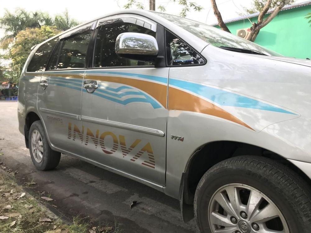 Cần bán Toyota Innova G đời 2010, màu bạc, nhập khẩu nguyên chiếc còn mới, giá chỉ 365 triệu (2)