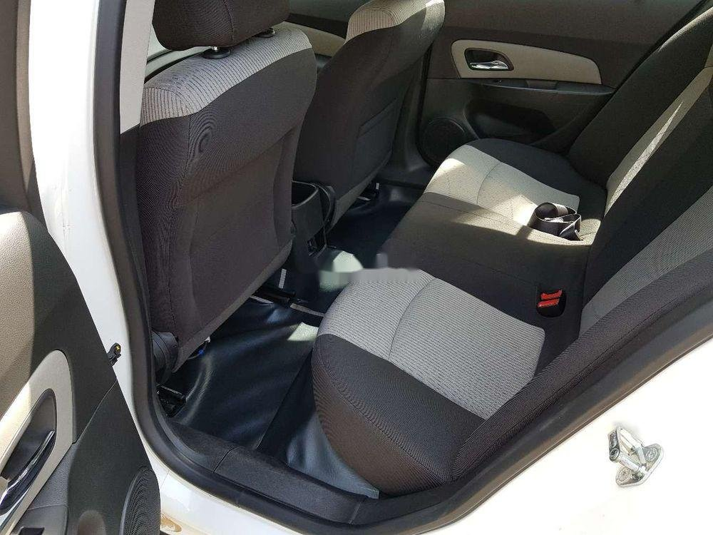 Cần bán lại xe Chevrolet Cruze MT đời 2013, màu trắng, giá 326tr (10)