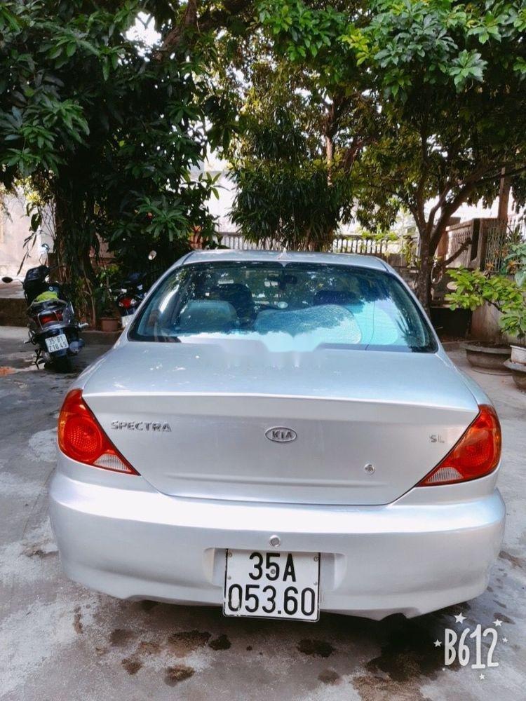 Bán xe cũ Kia Spectra sản xuất năm 2004, màu bạc (5)