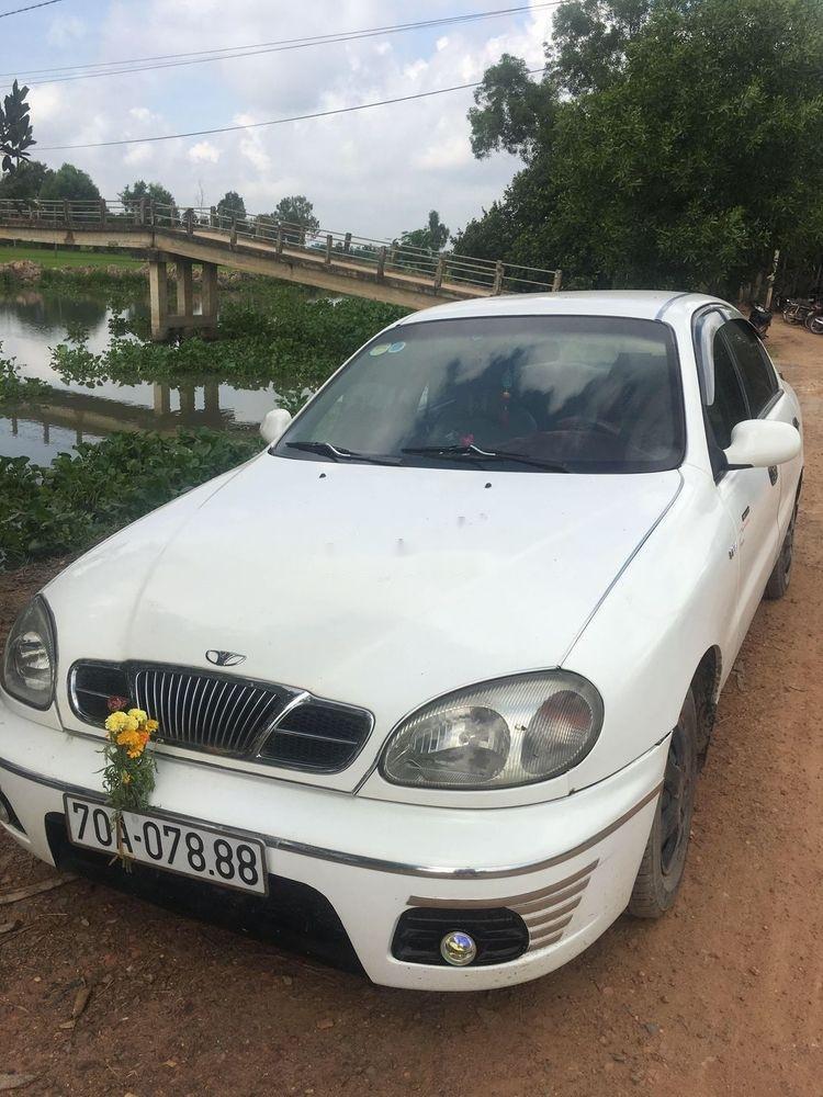 Bán Daewoo Lanos MT năm sản xuất 2002, màu trắng, xe nhập, giá chỉ 80 triệu (2)