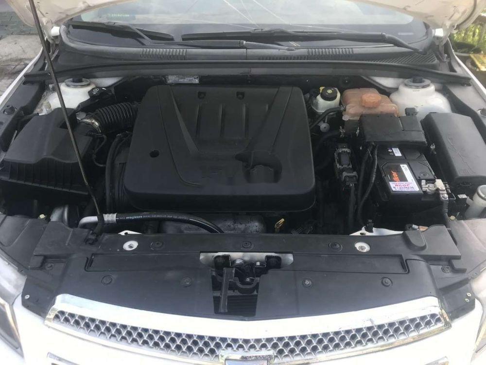 Bán Chevrolet Cruze 2011, màu trắng như mới (9)