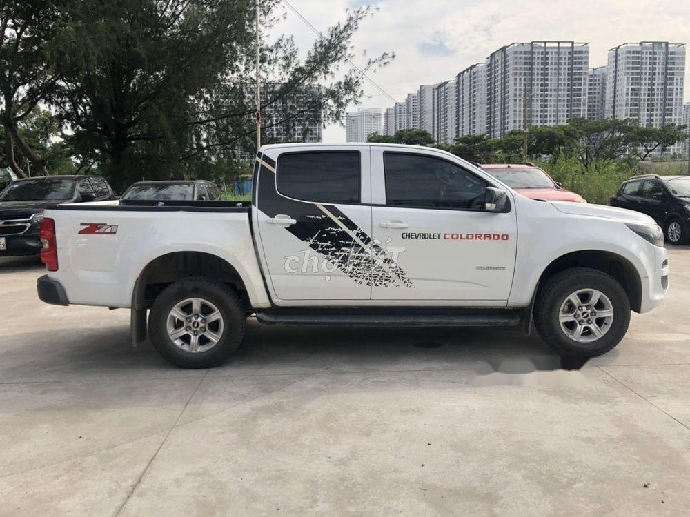 Bán xe Chevrolet Colorado LT 2.5AT đời 2018, màu trắng, nhập khẩu nguyên chiếc số tự động (2)