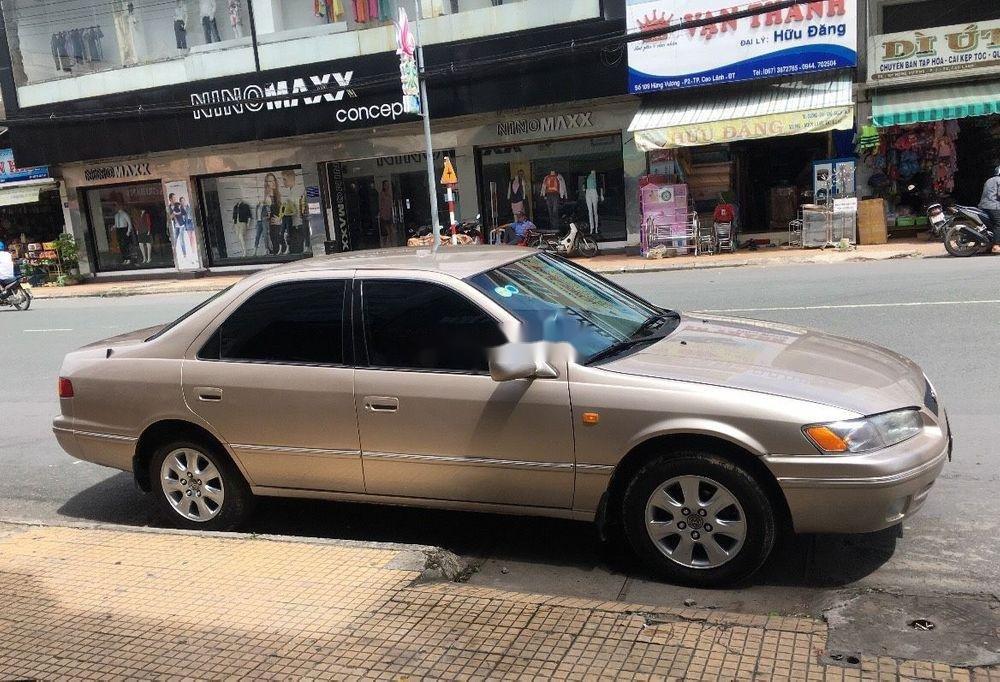 Bán xe Toyota Camry đời 2000, xe nhập, giá chỉ 210 triệu (1)