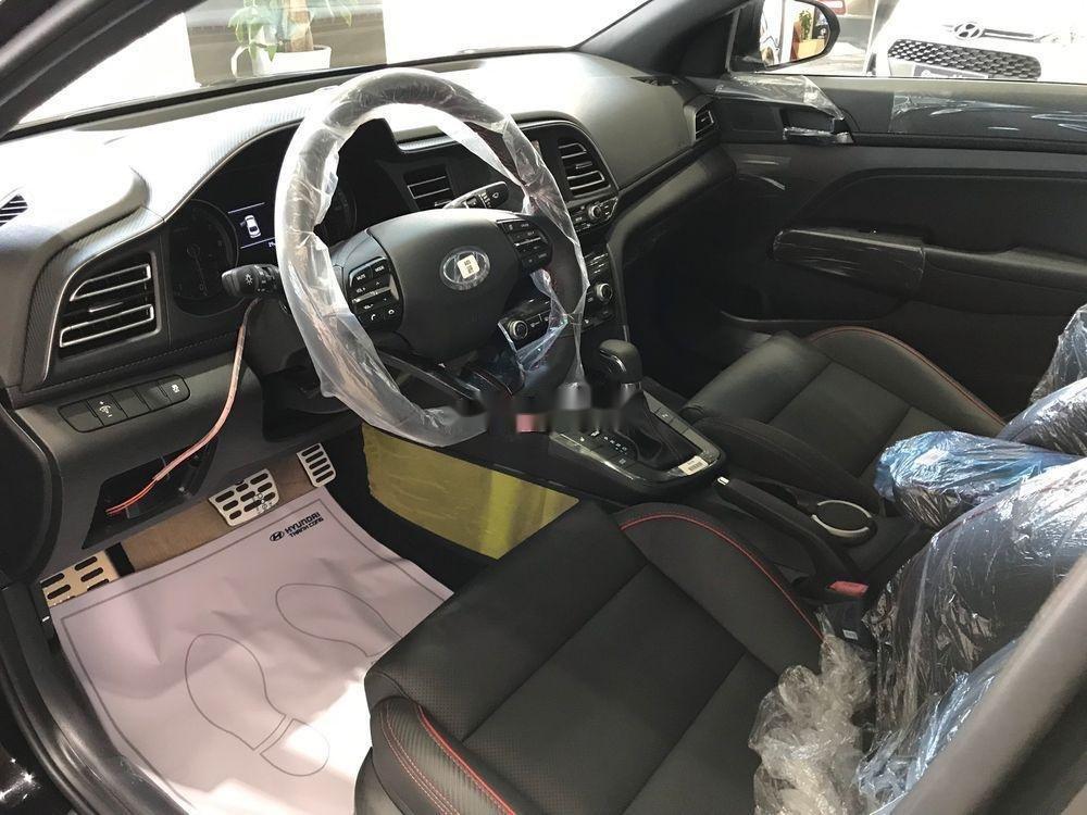 Cần bán xe Hyundai Kona năm sản xuất 2019, màu nâu, giá tốt (2)