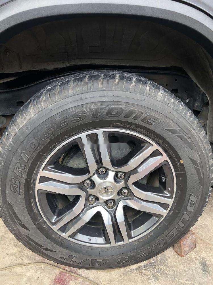 Cần bán gấp Toyota Fortuner G 2017, màu xám, xe nhập chính chủ (5)