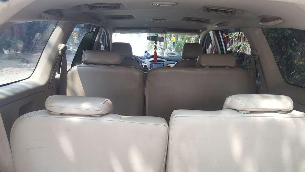 Cần bán xe Toyota Innova sản xuất năm 2010, màu bạc, giá tốt (6)